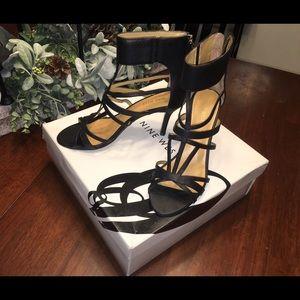 Nine west black strappy heel 7.5